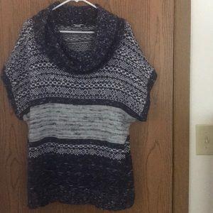 Blue striped short sleeve sweater